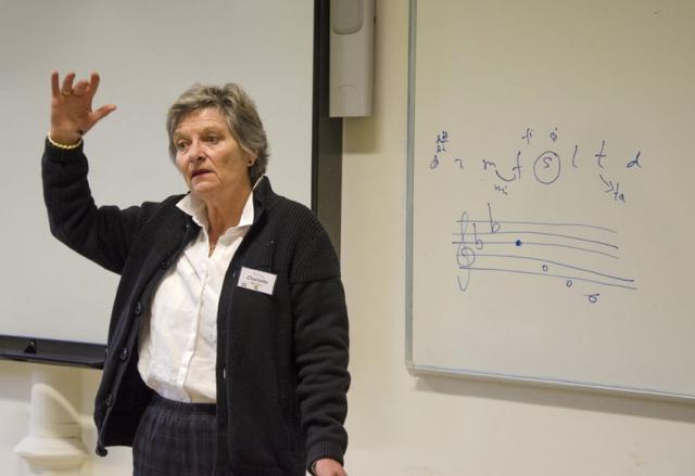 Charlotte Messiaen hield en lezing over de Kodály-methode